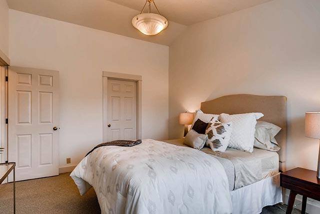 4017 NE Roselawn St Portland-print-020-26-2nd Floor Master Bedroom-2700x1800-300dpi.jpg