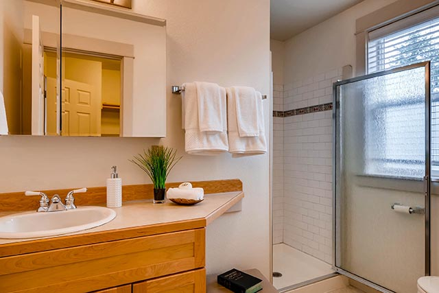4017 NE Roselawn St Portland-print-021-13-2nd Floor Master Bathroom-2700x1800-300dpi.jpg