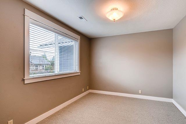 4017 NE Roselawn St Portland-print-022-21-2nd Floor Bedroom-2700x1801-300dpi.jpg