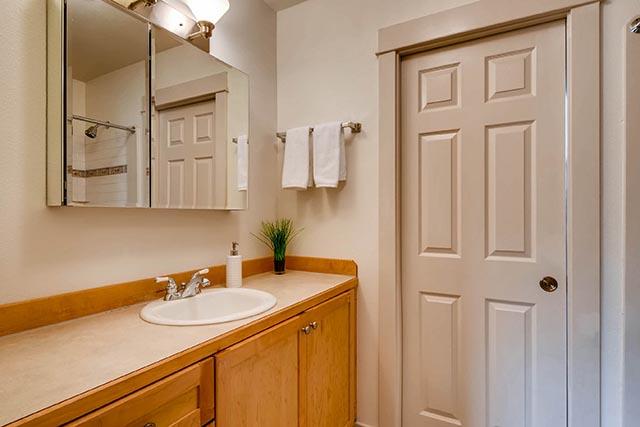 4017 NE Roselawn St Portland-print-024-20-2nd Floor Bathroom-2700x1800-300dpi.jpg