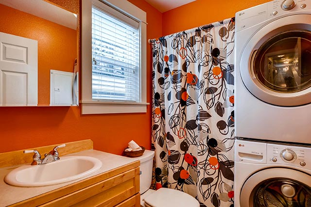 4017 NE Roselawn St Portland-print-026-23-Bathroom-2700x1800-300dpi.jpg