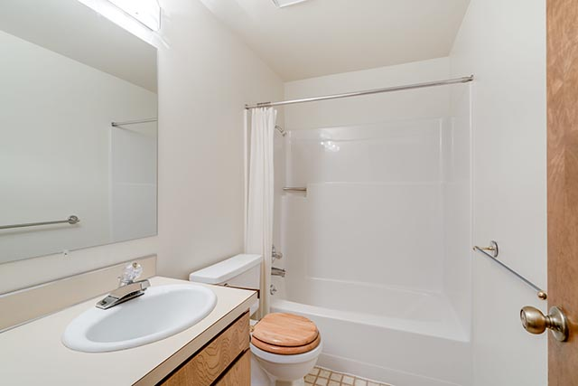 6240 SW 155th Ave Beaverton OR-print-020-4-Bathroom-4200x2802-300dpi.jpg