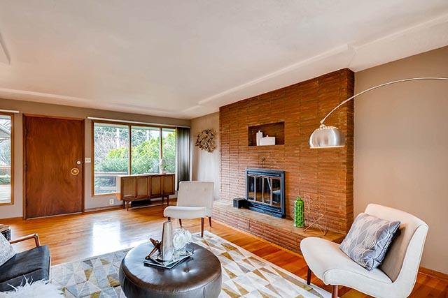 7845 N Decatur St Portland OR-print-007-14-Living Room-2700x1800-300dpi.jpg