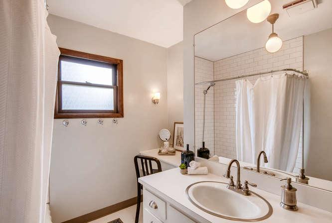 5271 SE Malden Dr Portland OR-small-018-17-Master Bathroom-666x448-72dpi.jpg