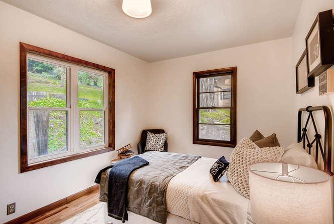 5271 SE Malden Dr Portland OR-small-019-7-Bedroom-666x447-72dpi.jpg