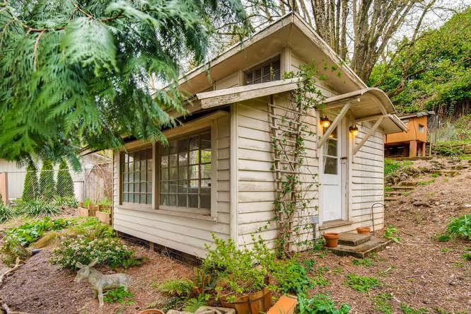 5271 SE Malden Dr Portland OR-small-028-18-Doll House-666x445-72dpi.jpg