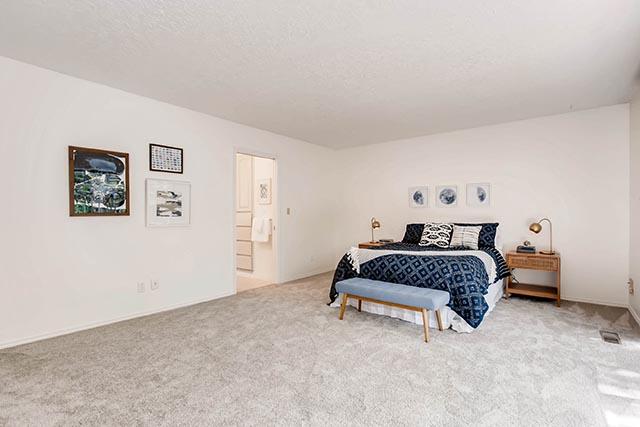 4234 SW Westdale Dr Portland-print-015-21-Master Bedroom-2700x1800-300dpi.jpg