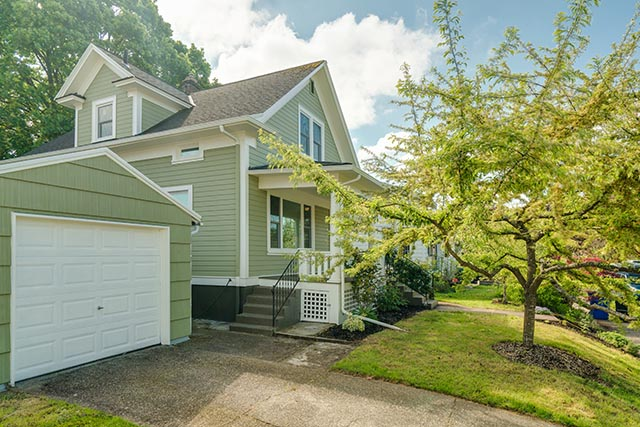 1744 SE 46th Ave Portland OR-print-002-3-Front of Home-4200x2802-300dpi.jpg