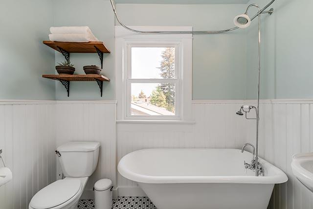 1744 SE 46th Ave Portland OR-print-022-2-Bathroom-4200x2802-300dpi.jpg