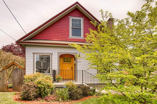4208 NE Grand Ave Portland OR-print-001-24-Exterior Front-2700x1800-300dpi.jpg