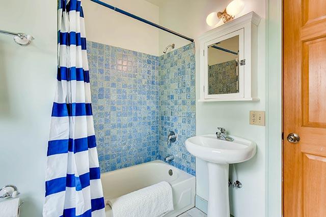 4208 NE Grand Ave Portland OR-print-023-17-Bathroom-2700x1800-300dpi.jpg