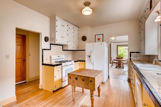4208 NE Grand Ave Portland OR-print-010-34-Kitchen-2700x1800-300dpi.jpg