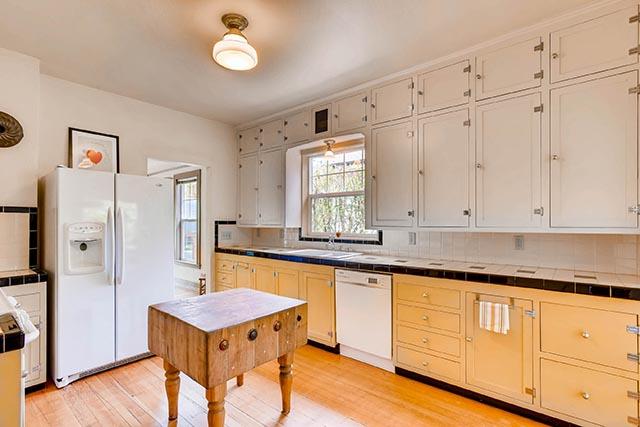 4208 NE Grand Ave Portland OR-print-011-29-Kitchen-2700x1800-300dpi.jpg