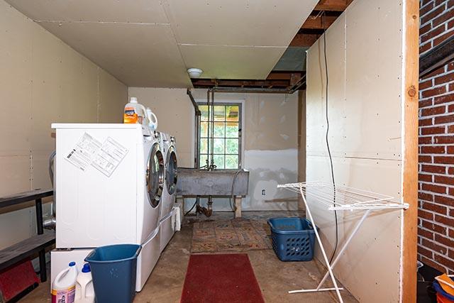3015 SW Dosch Rd Original-26.jpg