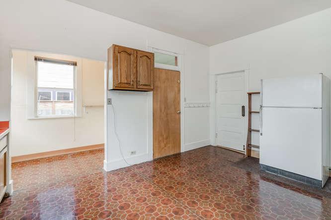 106 NE Morris St Portland OR-small-012-6-Kitchen-666x445-72dpi.jpg