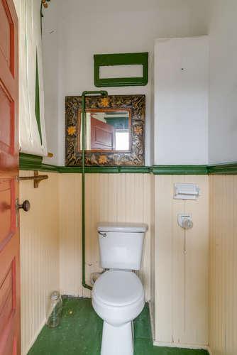 106 NE Morris St Portland OR-small-014-7-Bathroom-334x500-72dpi.jpg