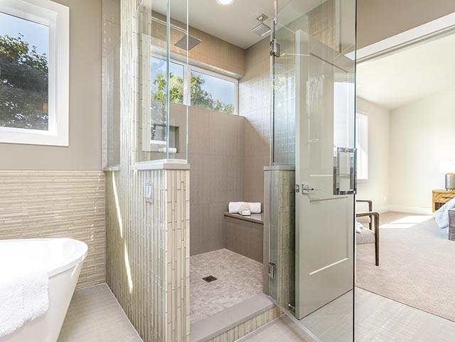 25a Master Bath.jpg