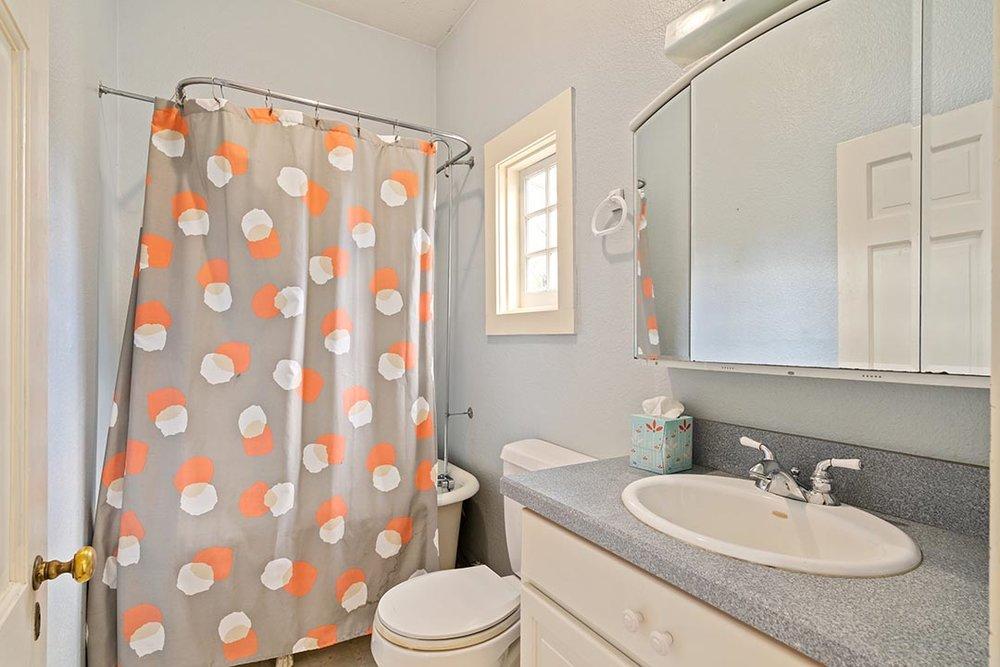 121 SW Whitaker St Portland OR-print-015-18-Bathroom-4200x2802-300dpi.jpg