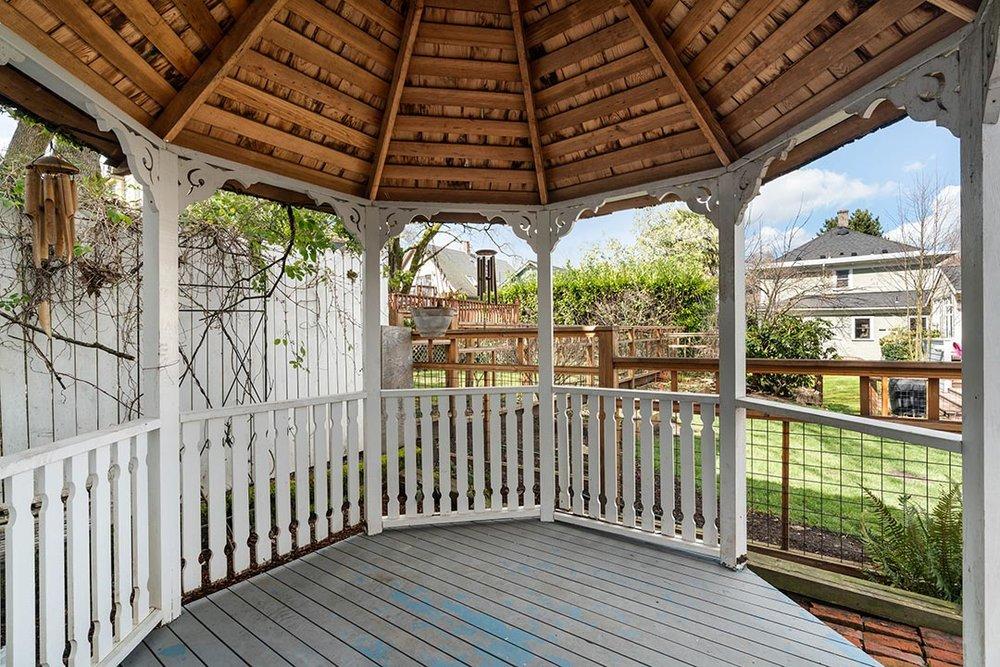 121 SW Whitaker St Portland OR-print-025-26-Back Yard-4200x2802-300dpi.jpg