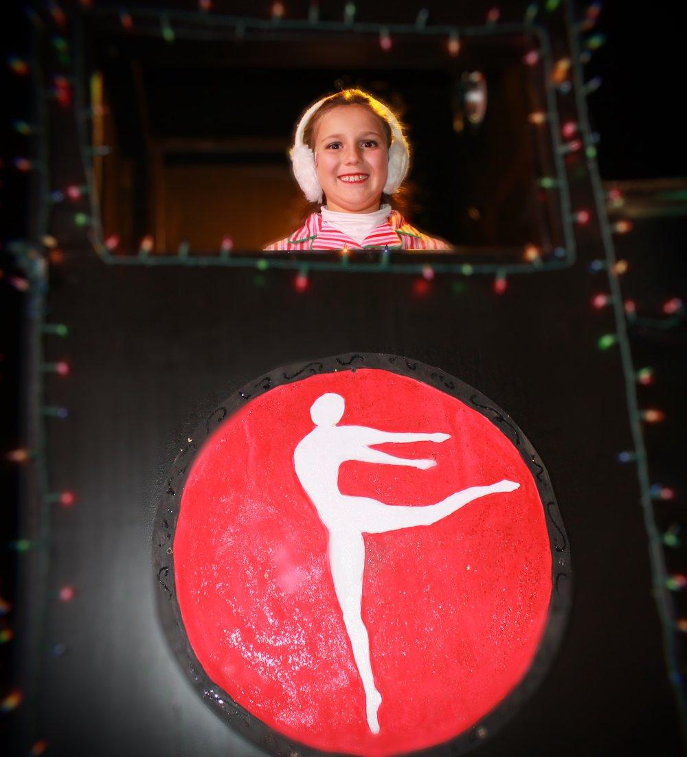Stage Door - Holiday Parade 14.JPG