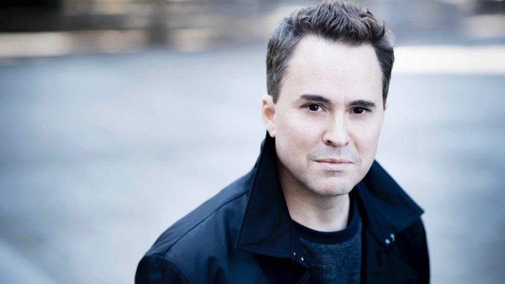 Garrett Keast<br>Conductor