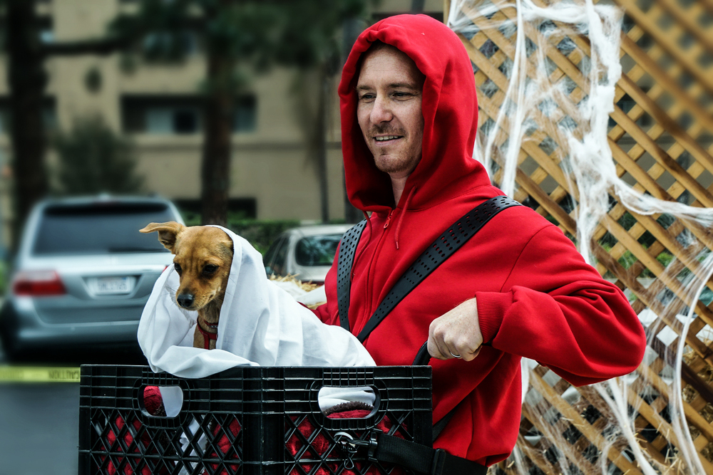 "Tino as ""E.T.,"" winner of Best Overall/Owner Pet Duo  (  Photo by  Gregory Ori     )"