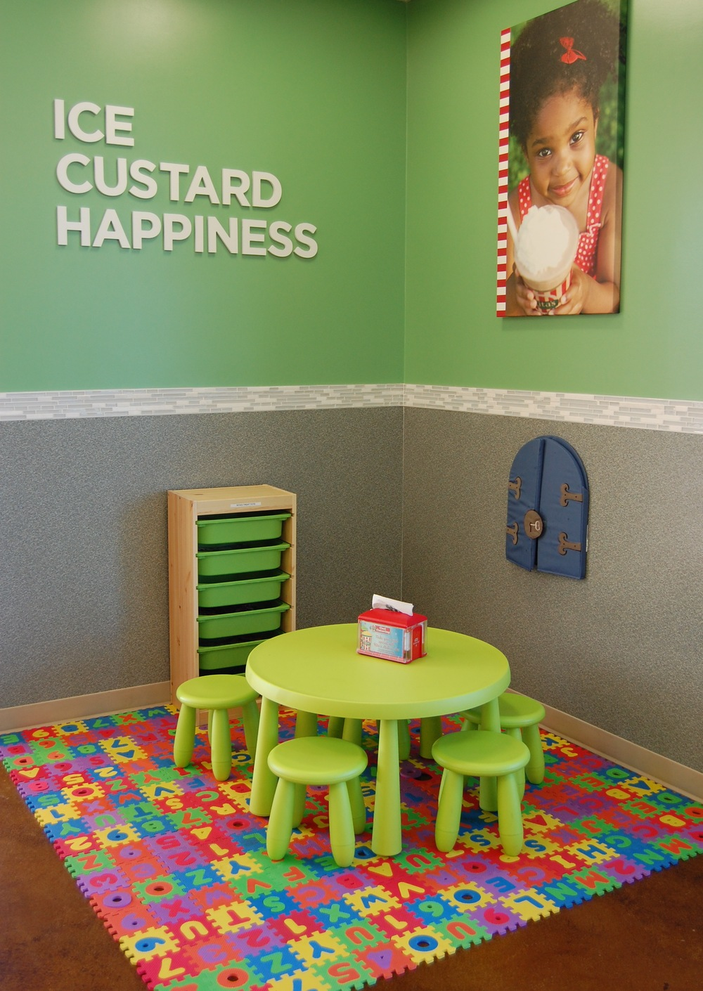 Kids corner inside Rita's Italian Ice Huntington Beach  (Pho  to by Lauren Lloyd)