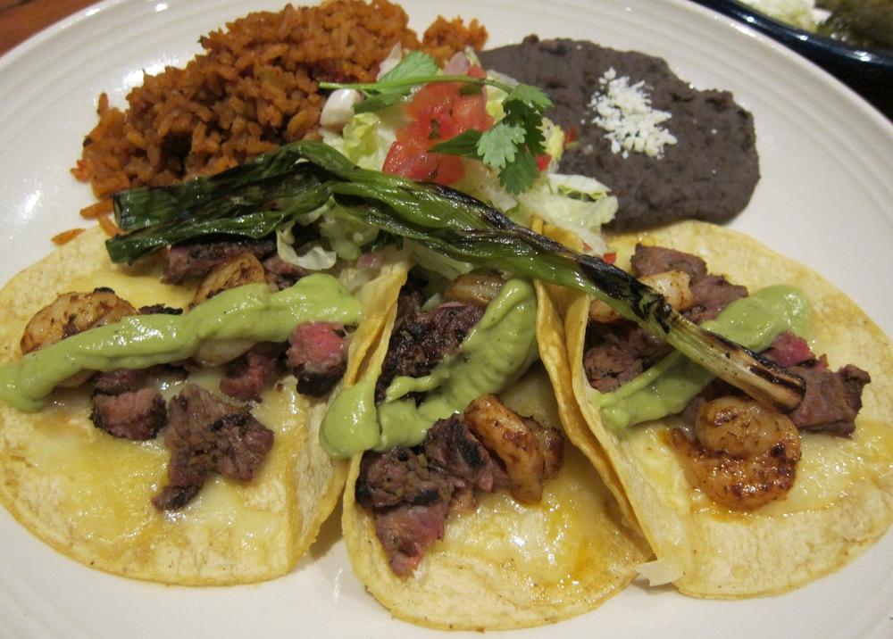 Los Cadillacs taco plate ( Photo by Lauren Lloyd)