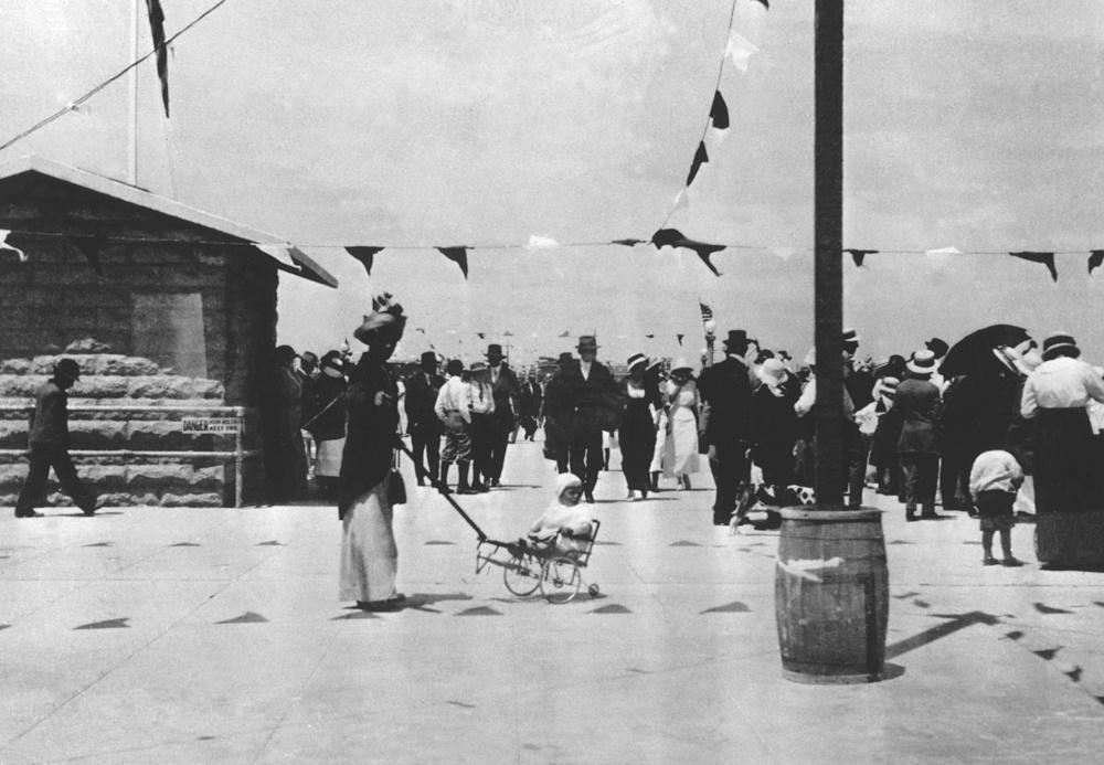 1914 (Photo courtesy ofVisit Huntington Beach)