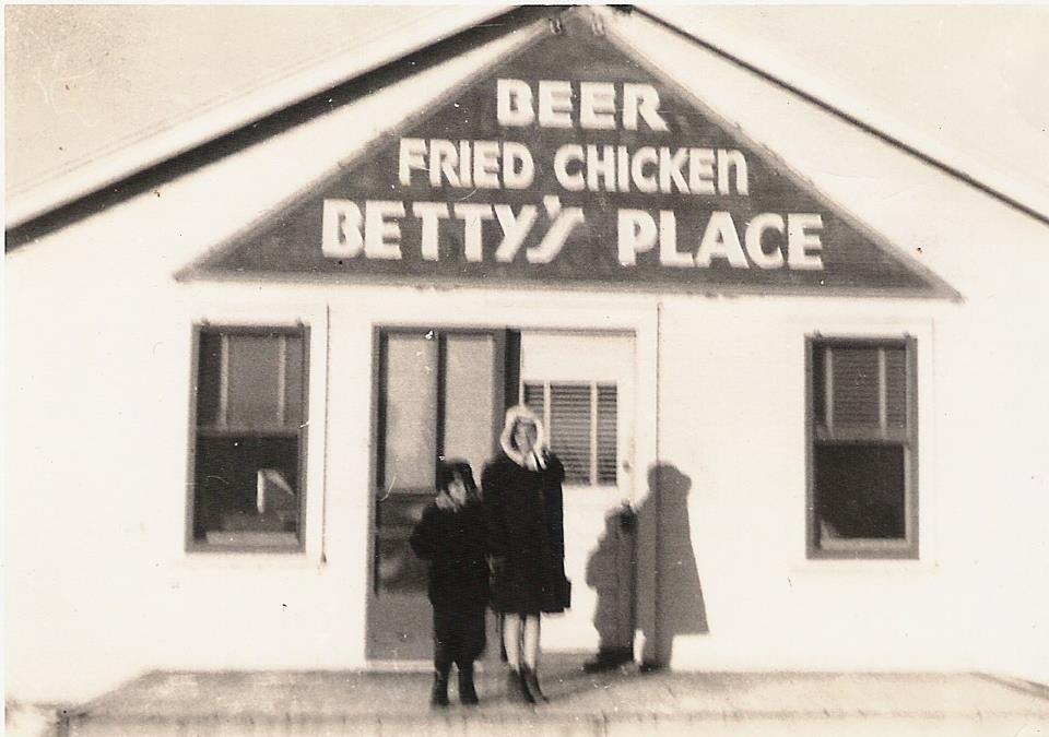 Betty's Place, circa 1938(Photo courtesy of Grandma Izetta's Kansas Roadhouse Barbecue Sauce)