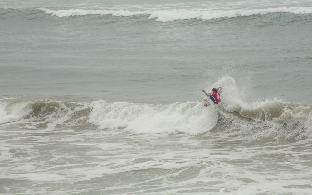 Kanoa Igarashi won his heat virtually unchallenged.  (Photo and commentary by Michael Latham)