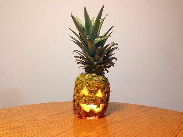 """Halloween """"pineapplantern"""" by Scoots Handplanes . (Photo by Scoots Handplanes )"""
