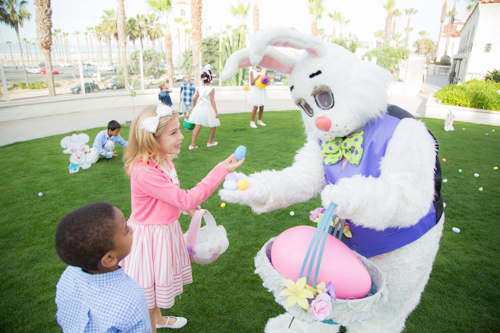 Hyatt-Easter-Bunny.jpg