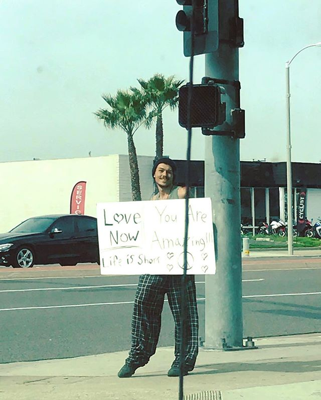 More of this gentleman, please! ☮️✌🏽💕Spotted yesterday near the Newland Center . . . . #lovenow #lifeisshort #youareamazing #huntingtonbeach #hb #newlandcenter #surfcityusa #oc #orangecounty #socal #southerncalifornia