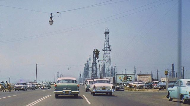 #ThrowbackThursday to a 1950s mystery shot—nobody seems to know exactly where it is. Any guesses? Our hunch 👉🏽 mainandpch.com (link in bio) . . . . #tbt #huntingtonbeach #hb #thenandnow #pch #pacificcoasthighway #1950s #50s #welovethe50s #retro #vintage #classic #oldschool #surfcityusa #oc #orangecounty #socal #southerncalifornia #nostalgic #nostalgia #chrisepting @chrisepting