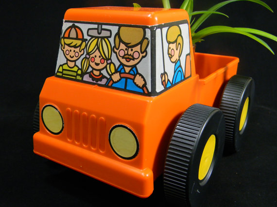 Tupperware Pick Em Up Truck.jpg