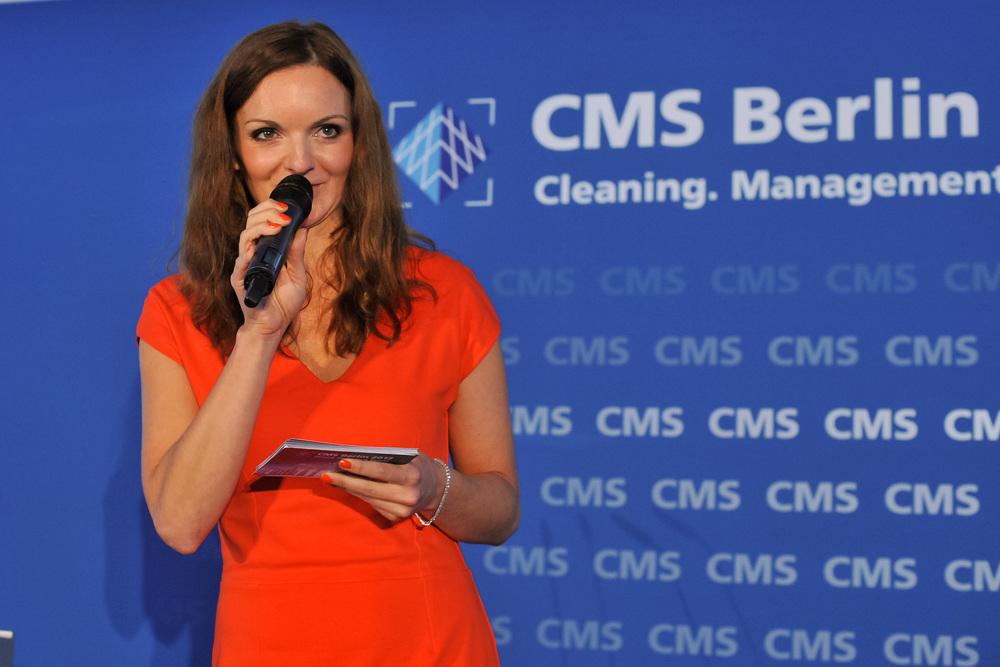 Purus Award 2013, Moderatorin Iza Höll