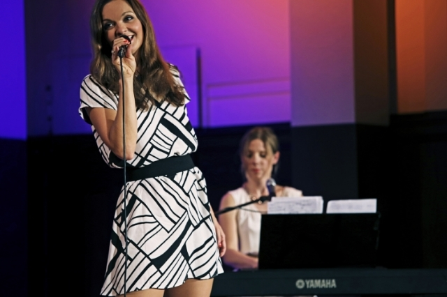 Sängerin Iza Höll und Pianistin Tanja Hutterer im Meisersaal Berlin  Foto: Doreen Giese