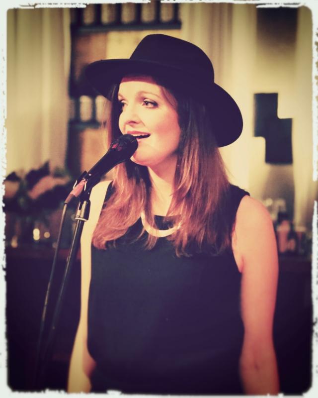 Deutsch polnische Sängerin und Moderatorin Iza Höll