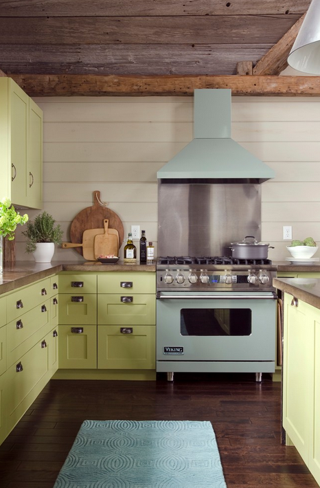 This is more of a citron or lemongrass, but I couldn't resist showing you that retro mint color on modern appliances -- a great way to pay homage to the classics with today's conveniences!