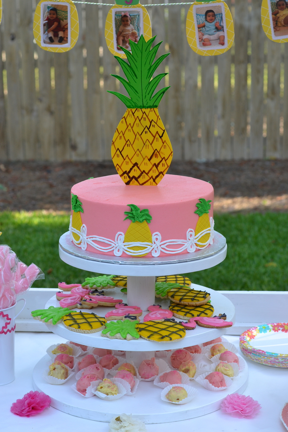 pineapple theme cake