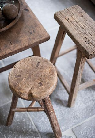 milking-stools-minimal-simple-interior-design-wabi-sabi.jpg
