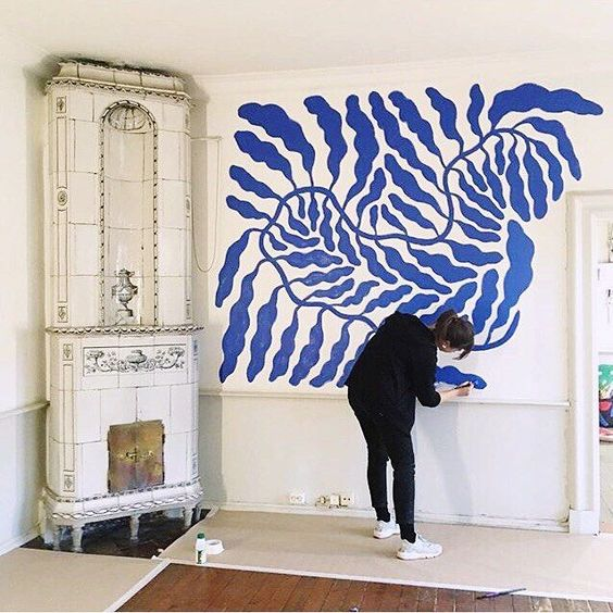 wall-mural-freehand-painting-blue-yvesklein.jpg