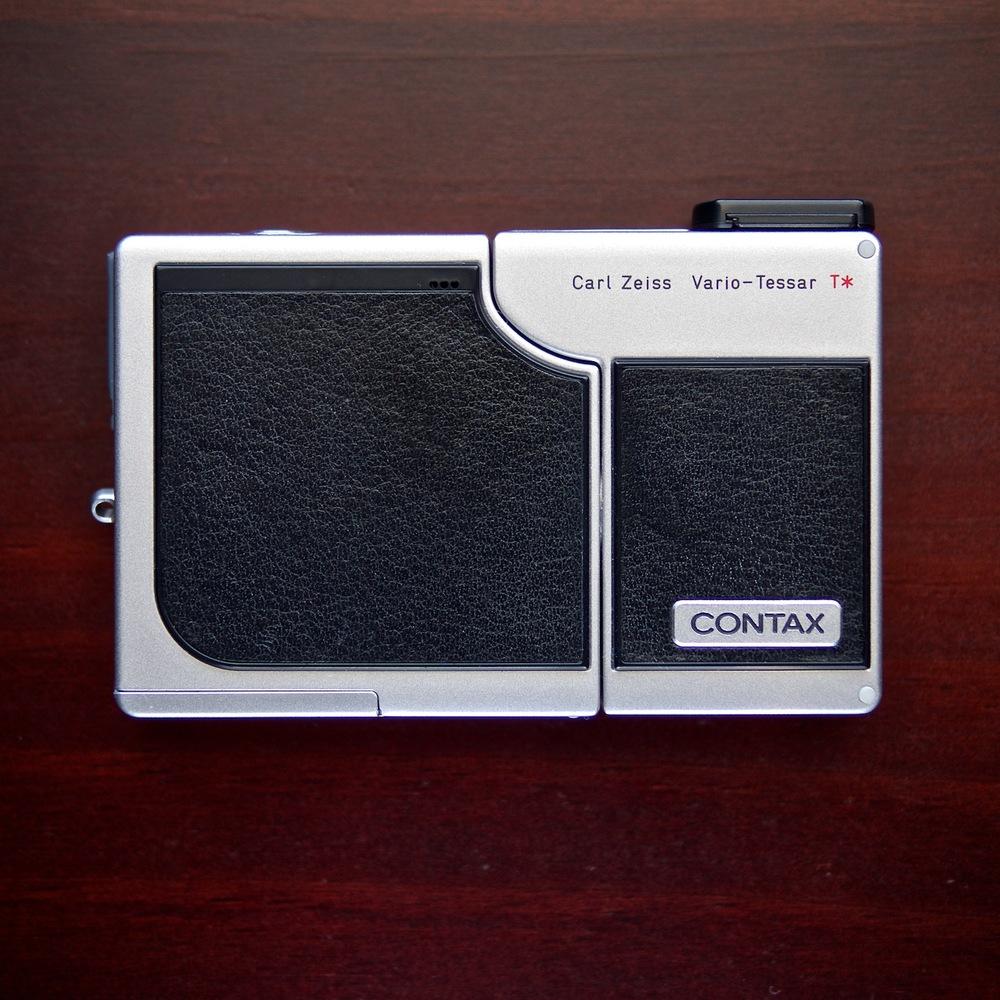 Contax SL 300R T* compact digital camera - 2004