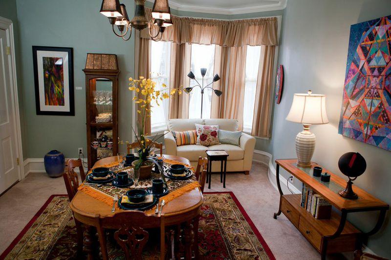 muse_bnb_diningroom.jpg