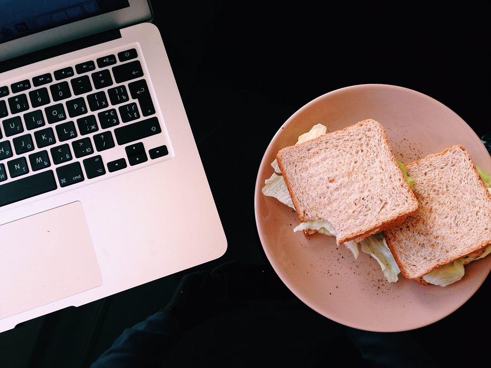 lunch-computer.jpg