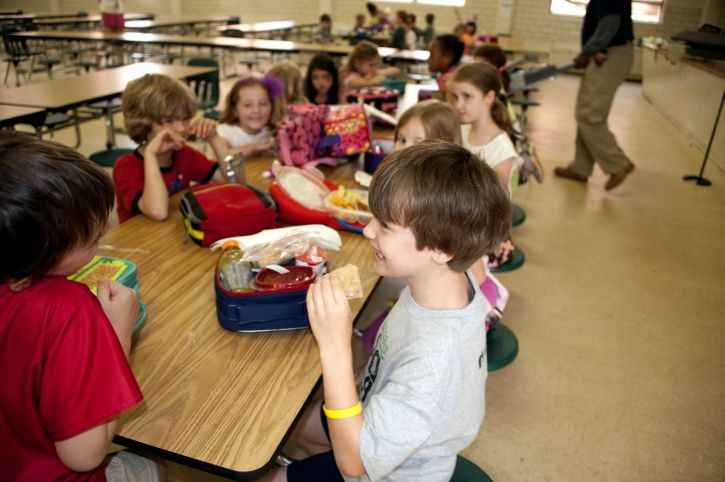 lunch-school-usa.jpg