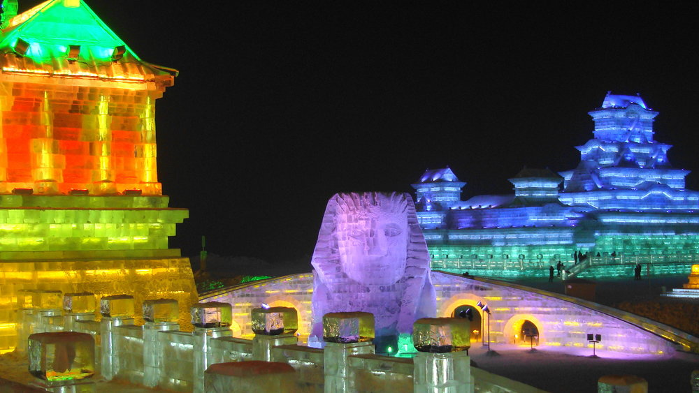 Harbin_Snow_and_Ice_festival_Sphinx.jpg