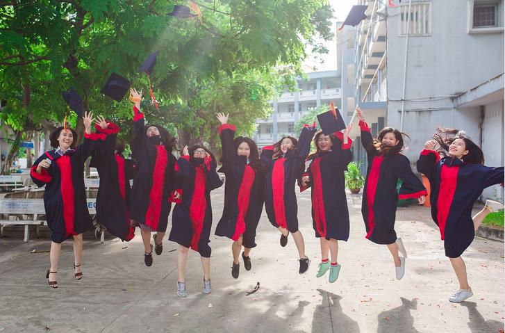 university-students-female.PNG