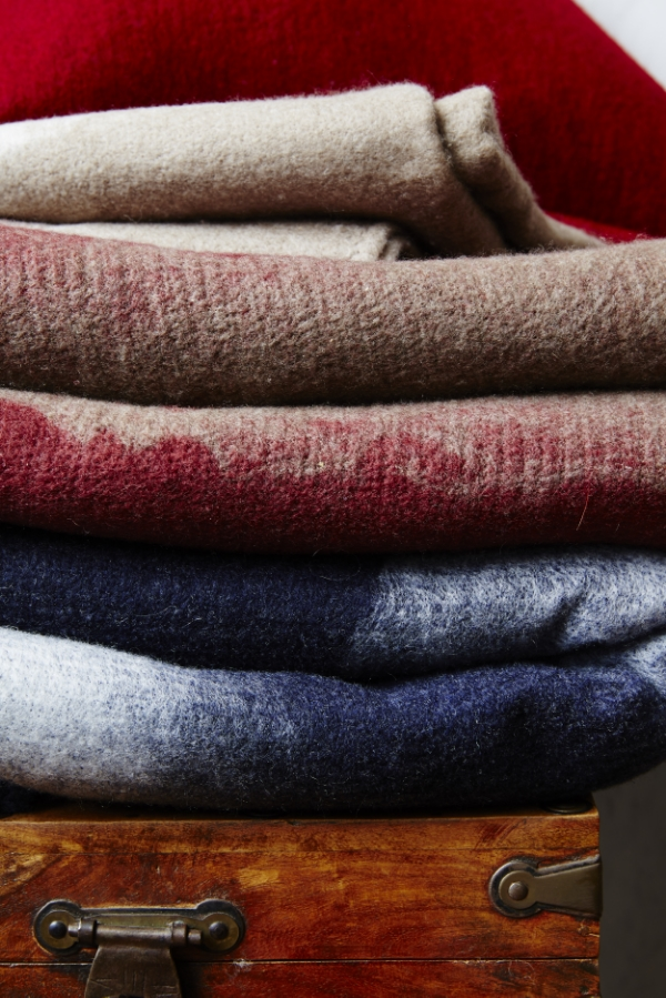 AMERICAN CASHMERE THROW